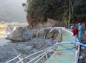 大規模地すべり現場で屈曲挙動を確認/佐世保市、山江村で豪雨被害調査/宙吊り状態でも機能維持/ポリテック
